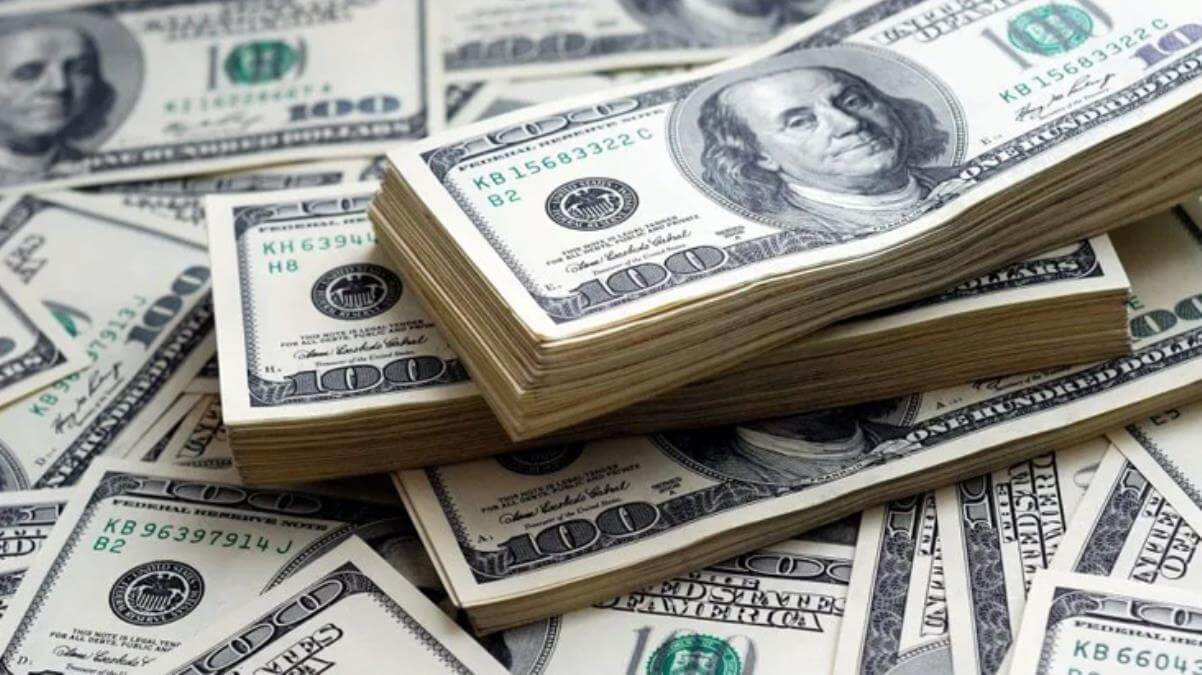 Güne düşüşle başlayan dolar 7,35'ten işlem görüyor