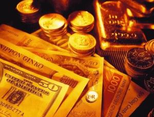 Dolar rekora koşuyor, altın çakıldı